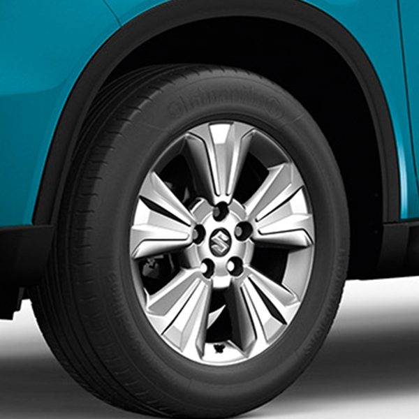 Close up of the alloy wheels on the Vitara SZ-T