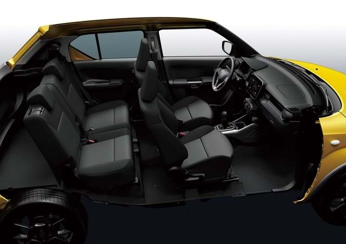 4 Seats with individual sliding rear seats