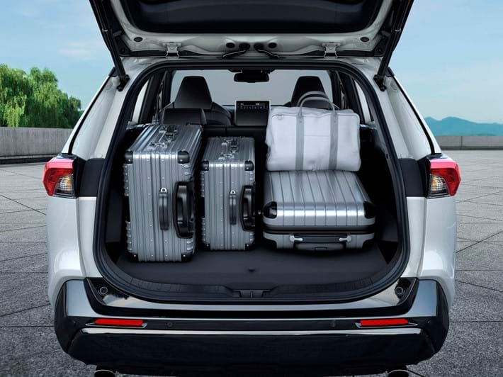 Ample luggage and cabin storage