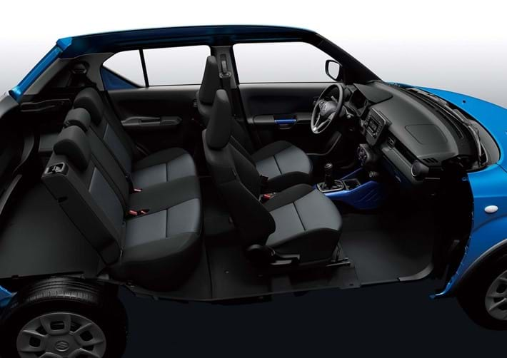 5 Seats with fixed rear bench sear