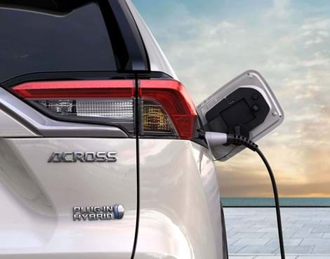 Plug-In Hybrid. Extreme efficiency, with CO2 emissions just 22g/km (WLTP weighted combined).