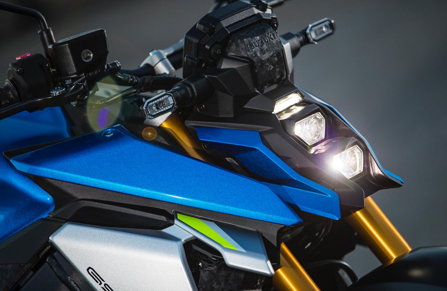 GSX-S1000 light