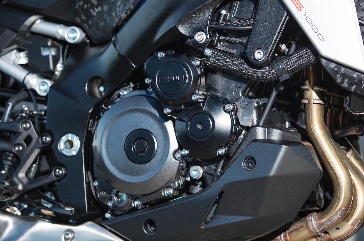 GSX-S1000 engine