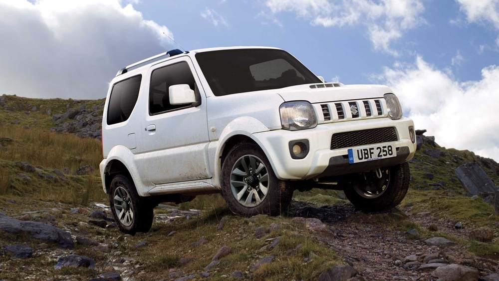Side facing Suzuki Jimny 190mm ground clearance