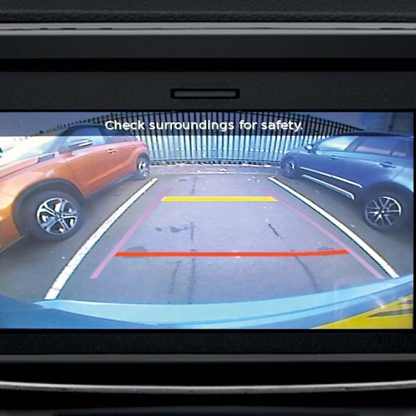 Suzuki SX4 S-Cross Rear parking camera connected to the 7-inch touchscreen display
