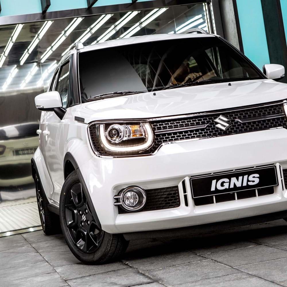 Suzuki ignis leaving garage