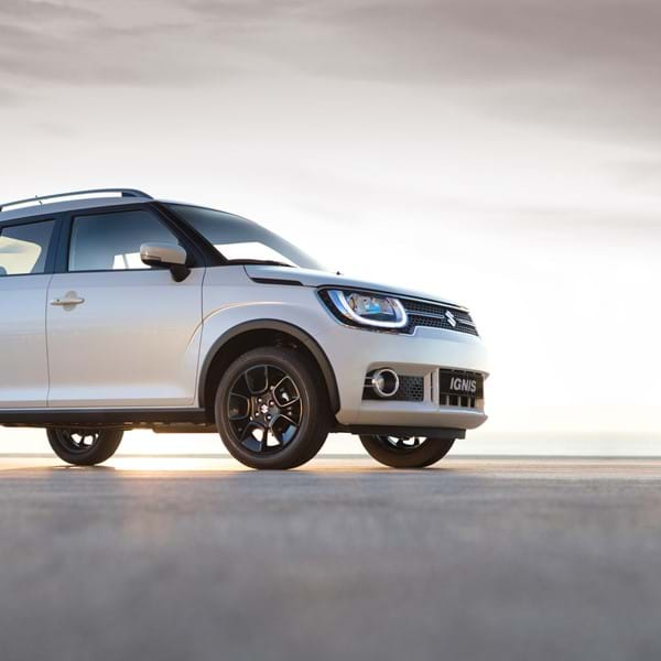 Suzuki Ignis with sunrise background