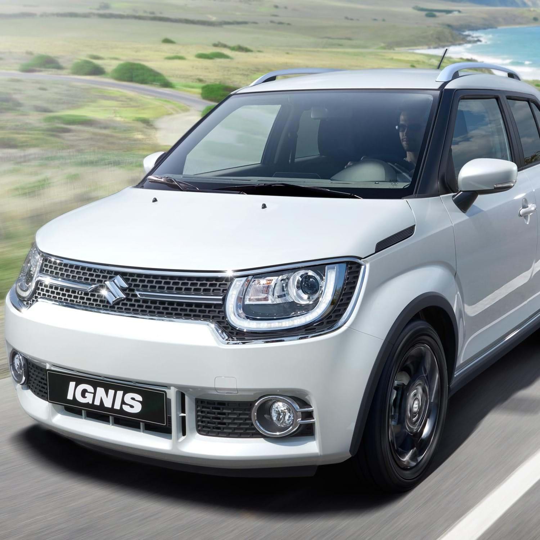 Suzuki Ignis driving on coastal road